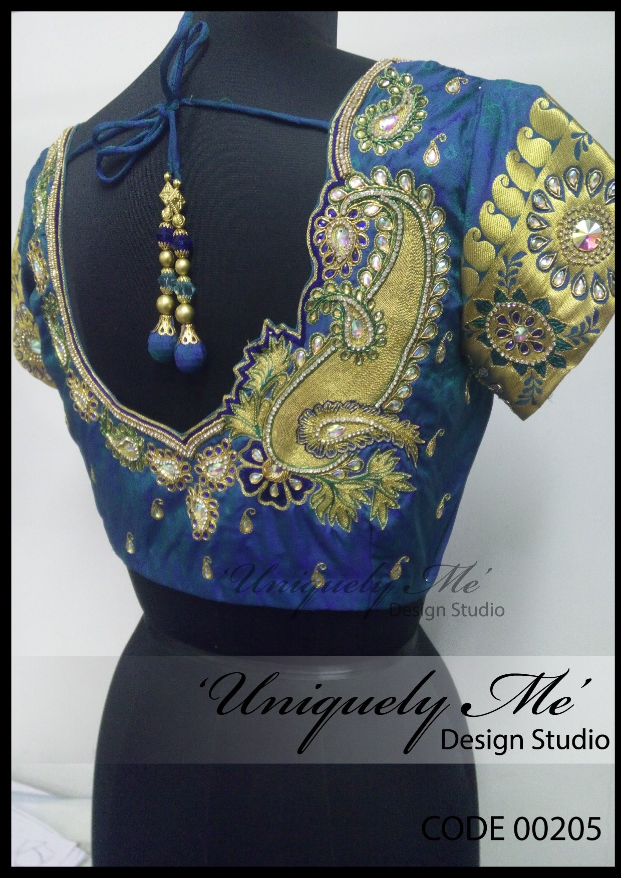 Designer embroidery blouse in Taramani